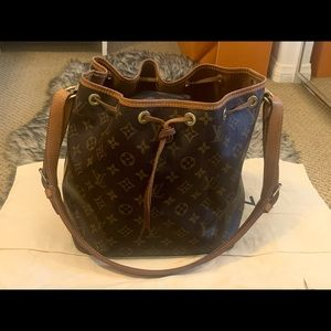 Louis Vuitton Petite Noe Shoulder bag